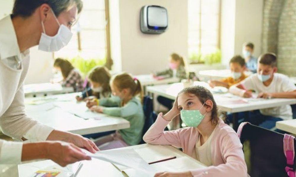 Cinco motivos por los que un purificador de aire con filtro HEPA es esencial en los colegios