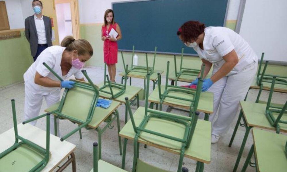 240 puestos de trabajo para la desinfección de colegios